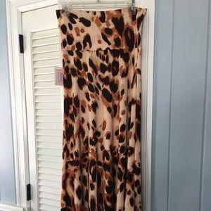 Lularoe Xs leopard Maxi skirt. Bnwt. Vintage